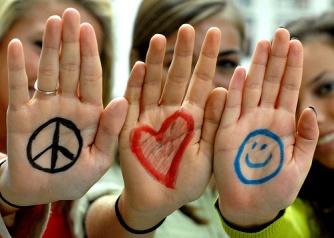 ob_94c6b1_paix-amour-et-joie-faut-il-encore-y-croire